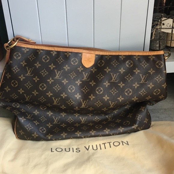 26d22897dac6 Louis Vuitton Handbags - Louis Vuitton Delightful MM